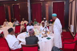 President Buhari Breaks Ramadan Fast With Service Chiefs, Ministers