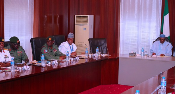 Buhari Meets Service Chiefs Over Insecurity, Leaves For Daura